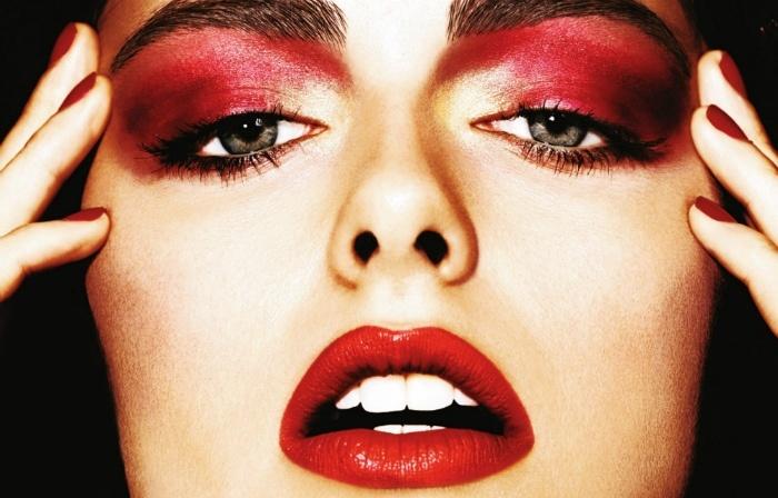 Красный макияж